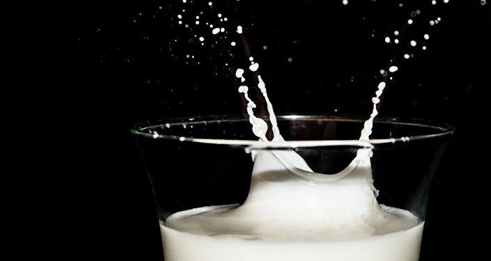 Latte versato - figura metaforica