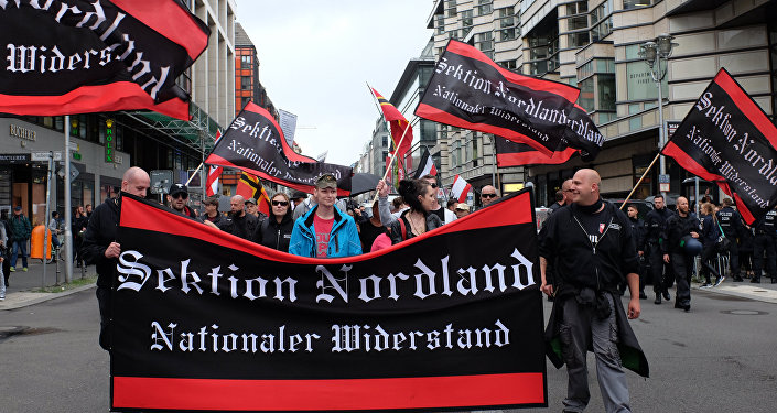 Proteste a Berlino contro la politica migratoria della cancelliera della Germania Angela Merkel.