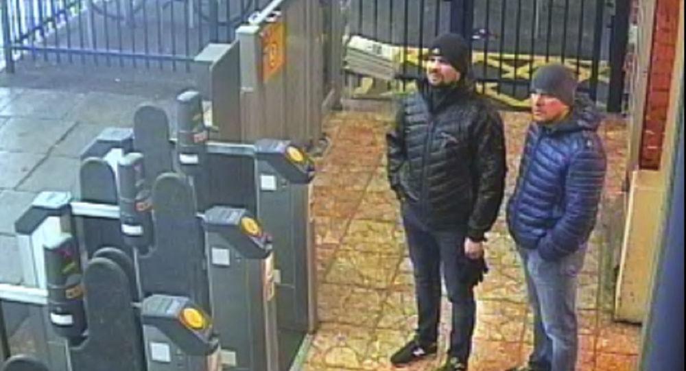 Una foto delle telecamere di sorveglianza di Ruslan Boshirov e Aleksandr Petrov a Salisbury