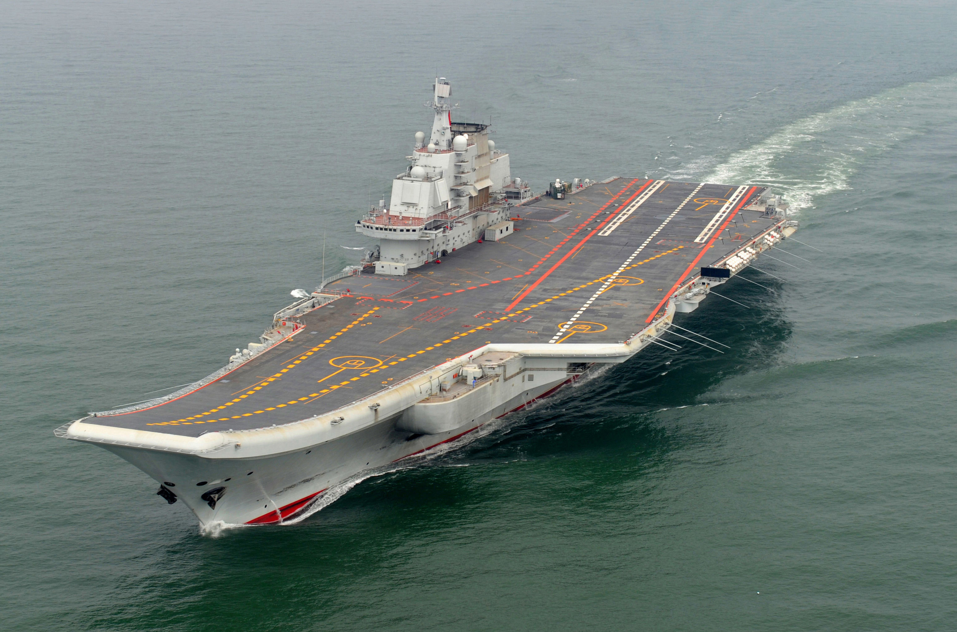 Prima portaerei della Marina Militare della Cina Liaoning (foto d'archivio)