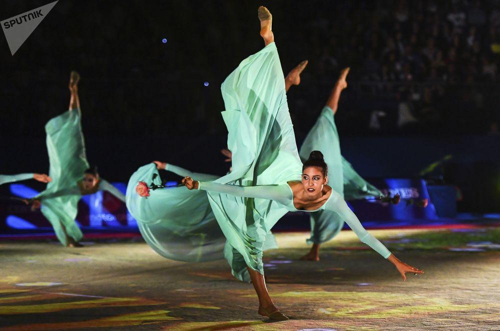 Le atlete della nazionale italiana al concerto gala del campionato della ginnastica artistica a Sofia.