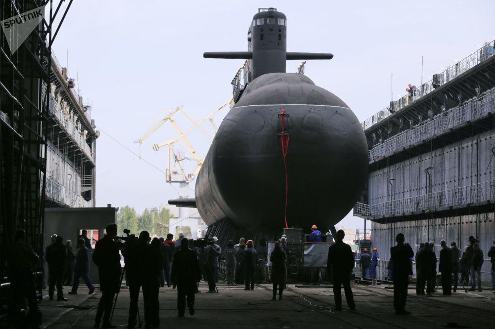 Il sottomarino diesel Kronstadt del progetto 677 è stato varato con successo a San Pietroburgo.