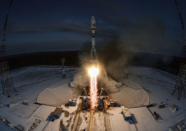 Il lancio del Soyuz-2.1b dal cosmodromo Vostochny