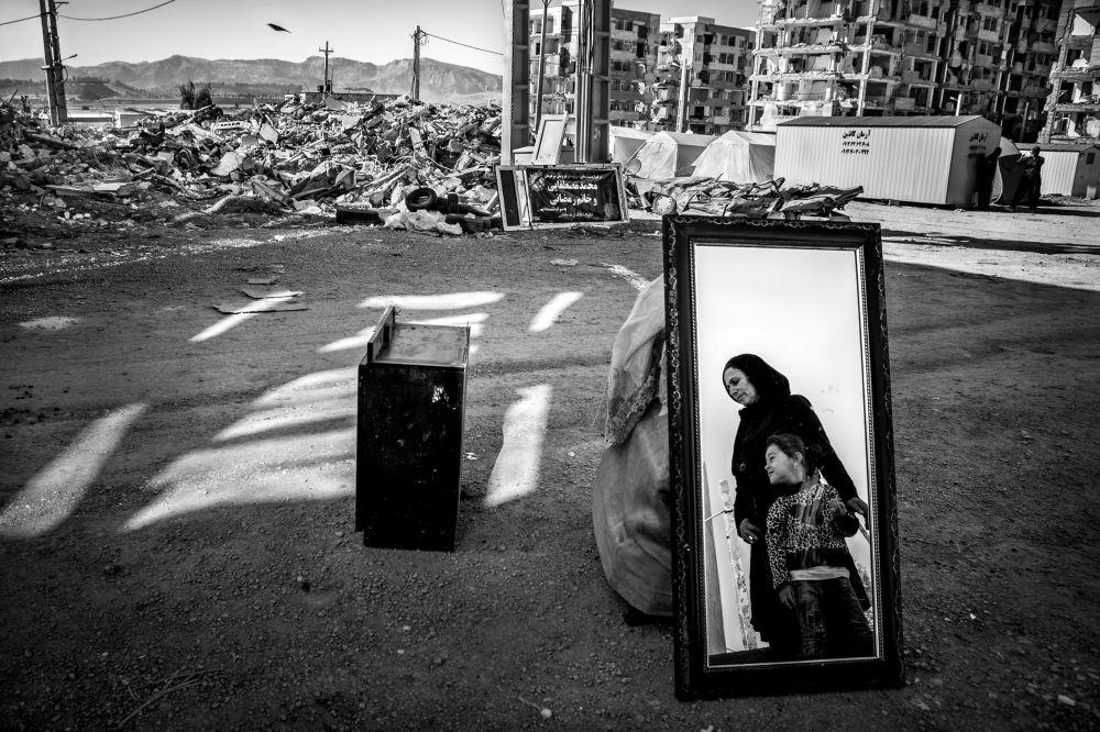 Foto 'And life rises' del fotografo iraniano Younes Khani Someeh Soflaei, vincitore della nomination Built Environment Prize al Environmental Photographer of the Year 2018