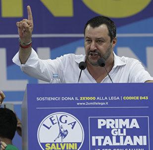 Matteo Salvini interviene durante la tradizionale riunione della Lega a Pontida, Italia