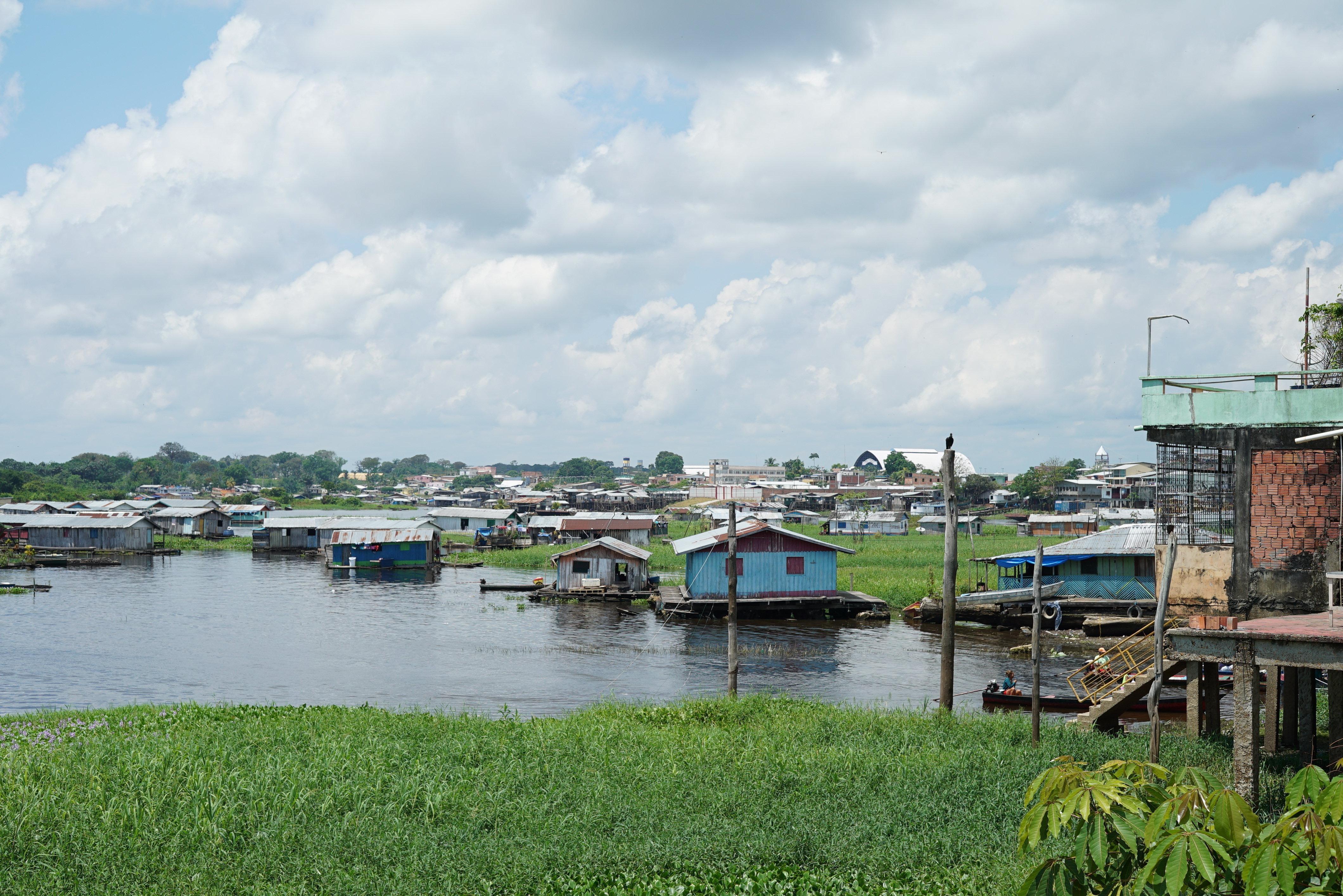 Coari ha la sua base a 363 km dalla capitale dello stato Amazonas e si occupa di arruolare i pirati