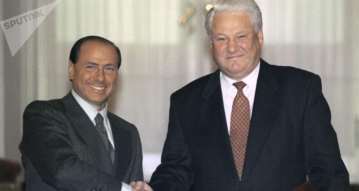 Silvio Berlusconi e l'allora presidente della Federazione Russa Boris Yeltsin s'incontrano al Cremlino, 1994