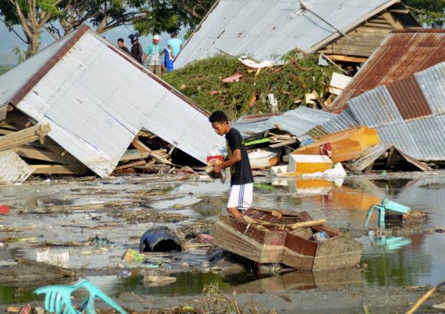 Tsunami nell'isola Sulawesi, Indonesia