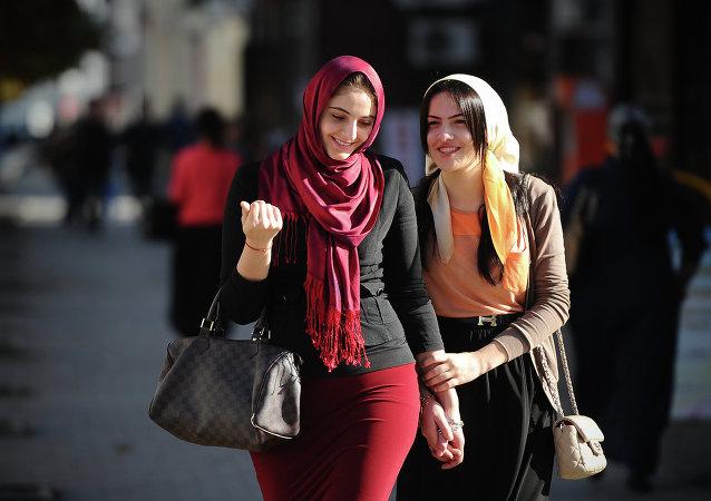 Ragazze musulmane nella Cecenia