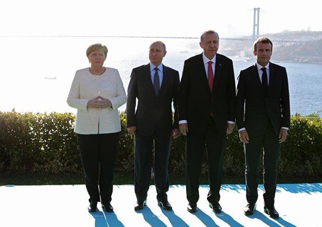 Ottobre 27, 2018, L'incontro sulla Siria tra Vladimir Putin, Emmanuel Macron, Angela Merkel e Recep Tayyip Erdogan