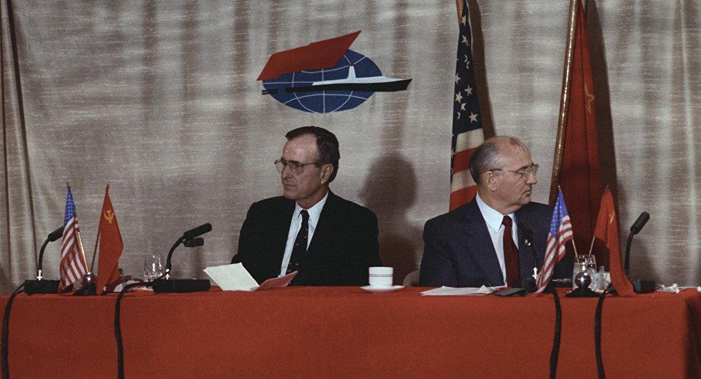 L'incontro tra Mikhail Gorbaciov e George Bush a Malta
