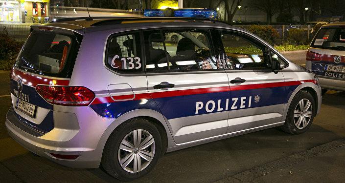 Vienna, macchina della polizia