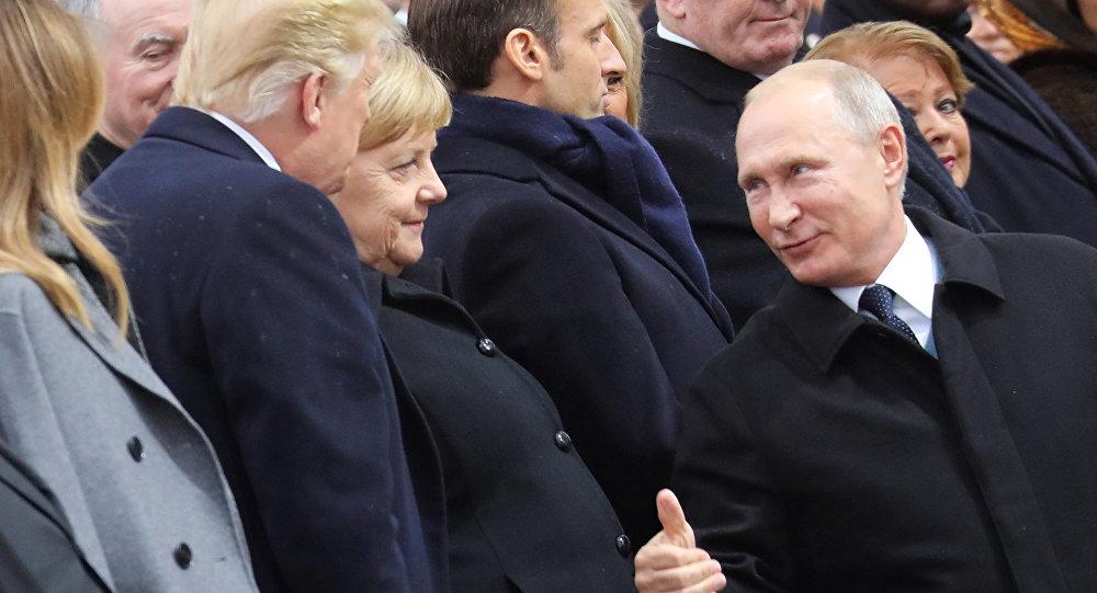 Ue, anche Merkel chiede un 'vero esercito europeo'