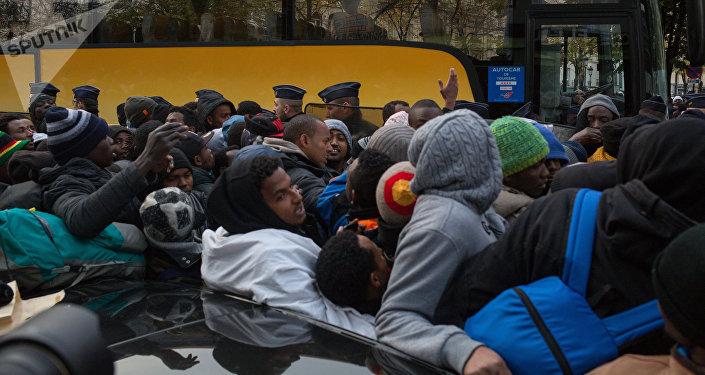 Evacuazione di un campo migranti