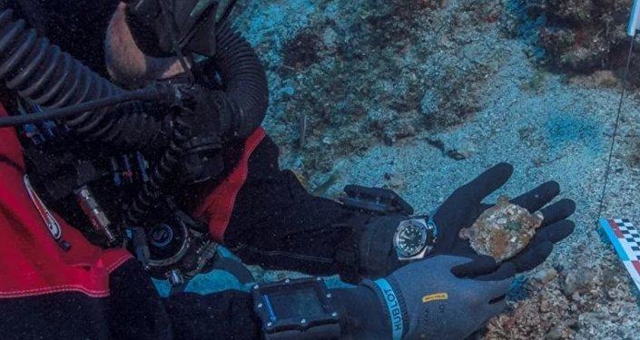 """Sul fondo del mare trovato un dettaglio di un """"computer"""" di oltre 2mila anni fa"""