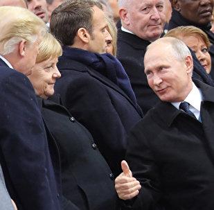 Putin incontra Trump e Merkel a Parigi durante la commemorazione del 100° anniversario della fine della I Guerra Mondiale