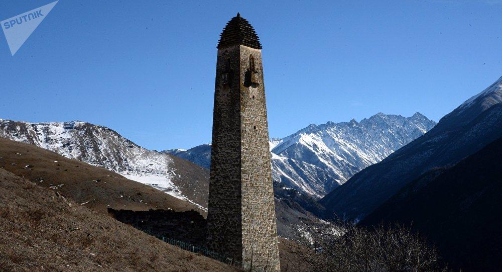 Una delle torri della fortezza di Lyaski - INGUSCEZIA