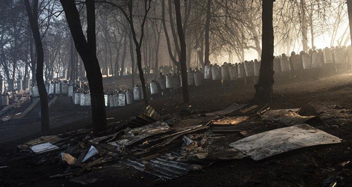 Behind Kiev's barricades - Giorgio Bianchi