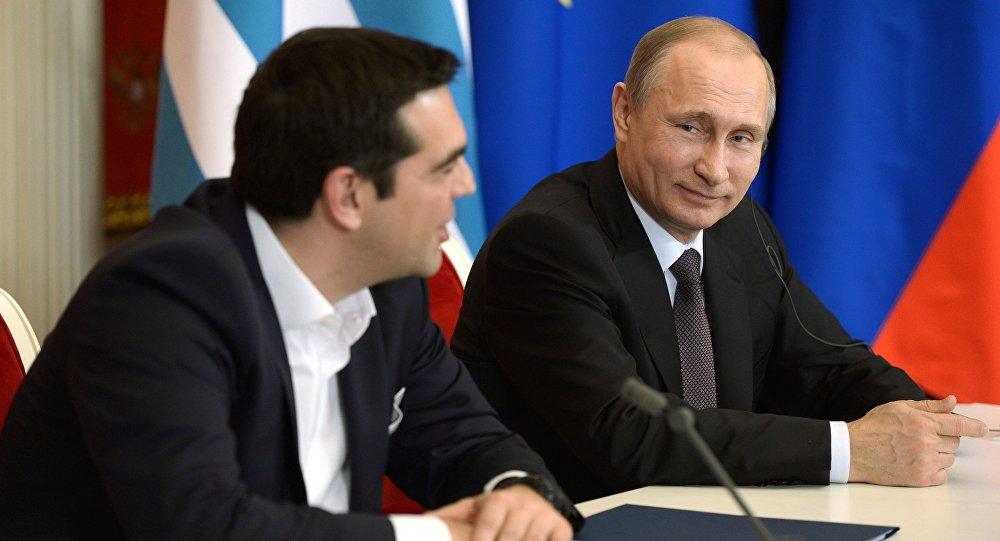 Il premier greco Alexis Tsipras e il presidente russo Vladimir Putin (foto d'archivio)