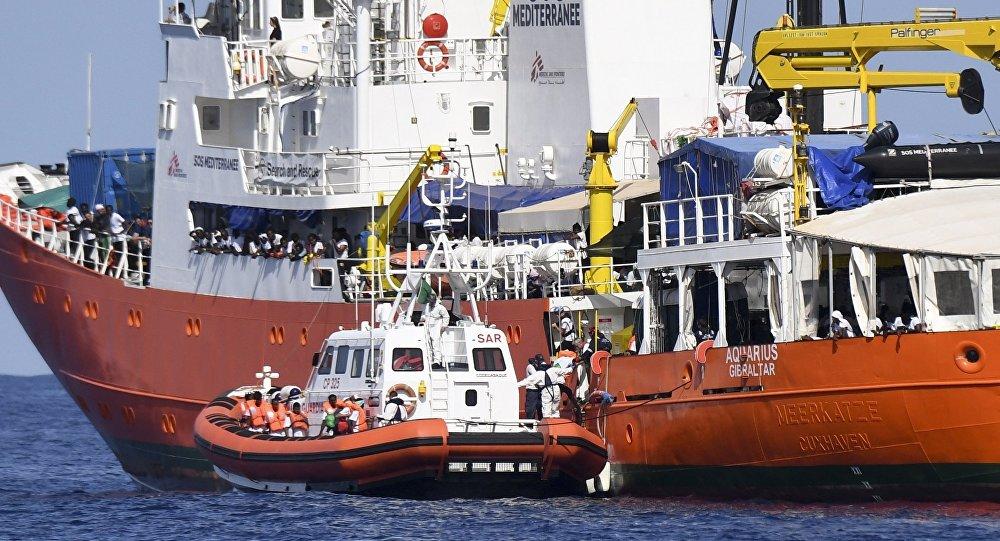 Migranti, nave Aquarius costretta a sospendere la propria attività