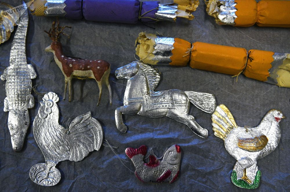 Gli addobbi natalizi della collezione del Museo di Mosca.