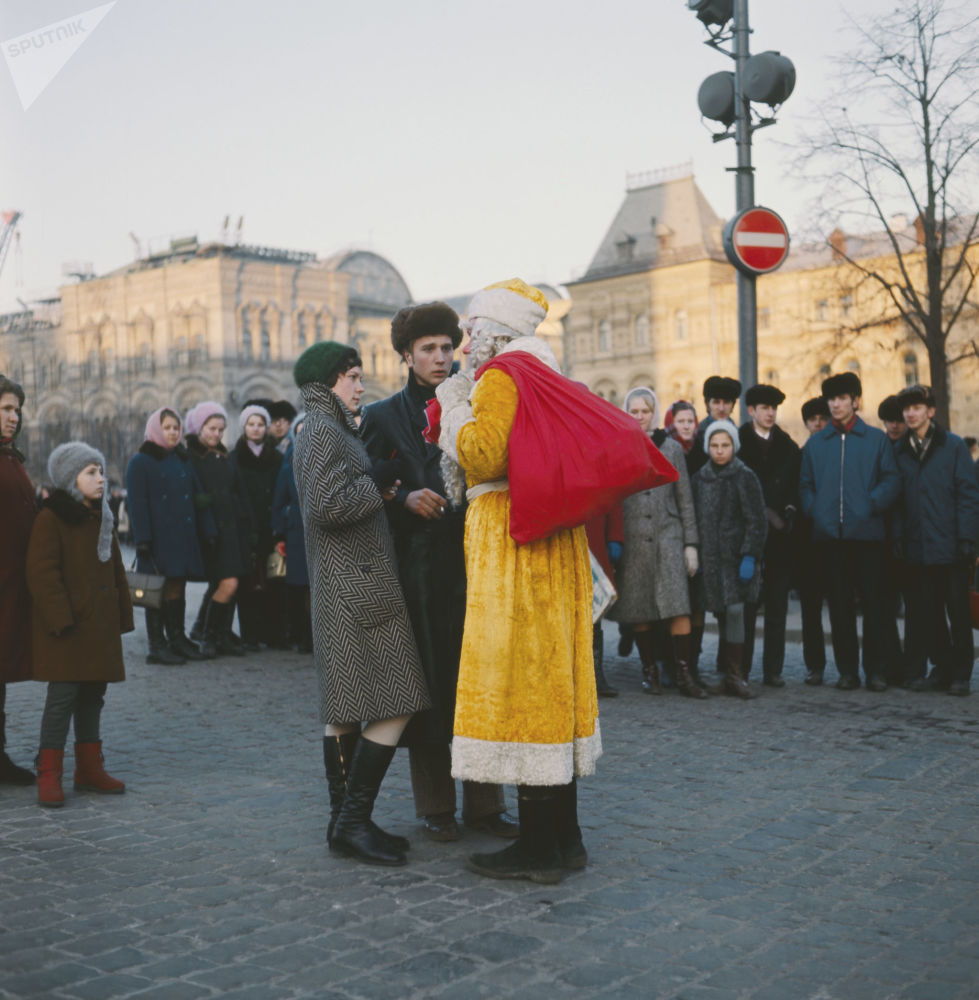 Si stava meglio, quando si festeggiava Capodanno in URSS