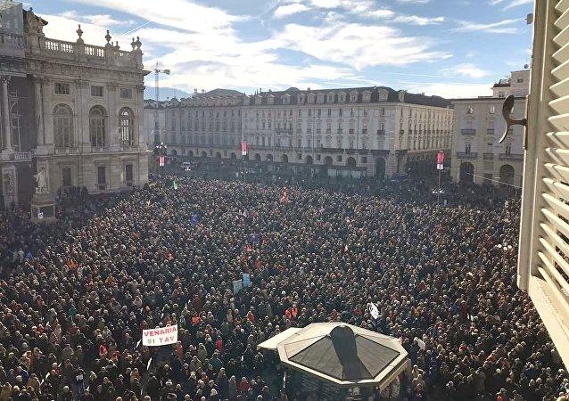 La manifestazione a favore della TAV di Torino del 12 gennaio