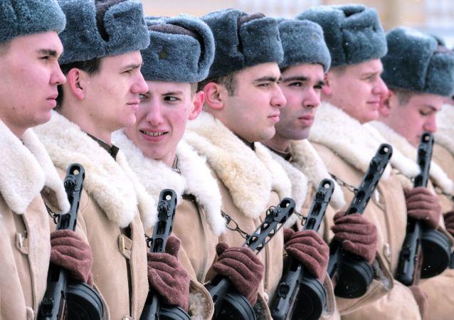 Le prove della parata per i 75 anni dalla liberazione di Leningrado