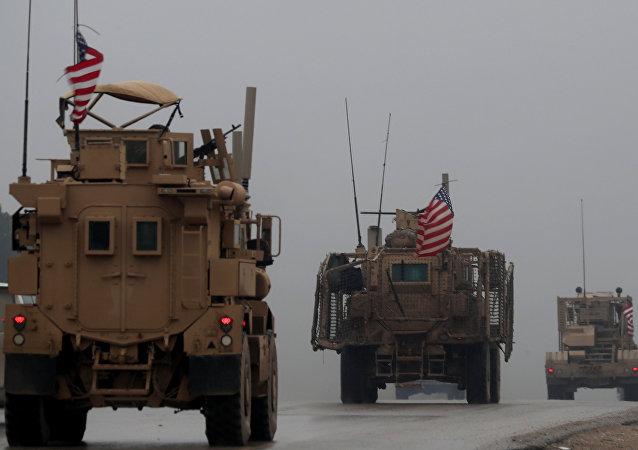 mezzi americani a Manbij