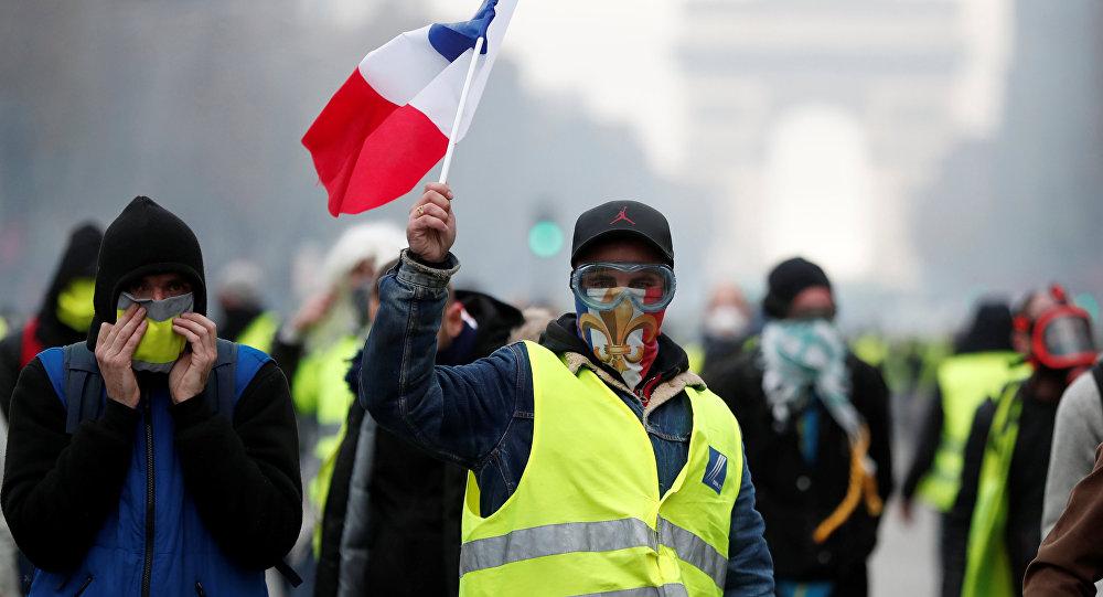 A Parigi durante le proteste del