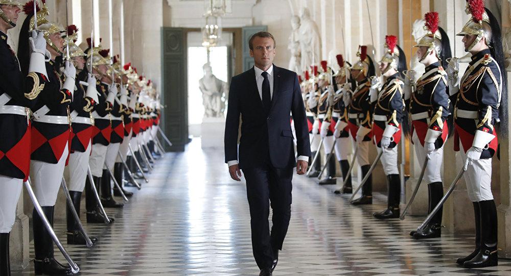 Sergio Mattarella ha telefonato ad Emmanuel Macron:
