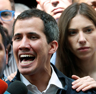 Juan Guaidó con sua moglie Fabiana Rosales
