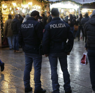 Agenti della polizia italiana