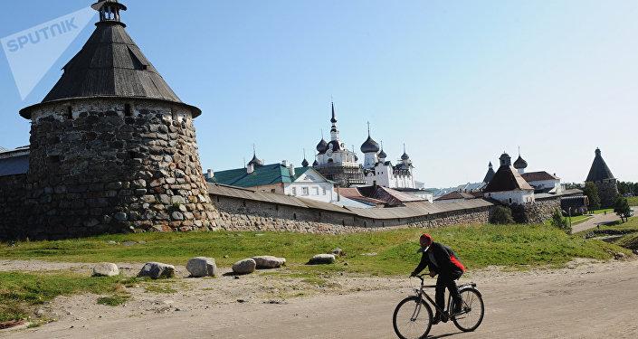 Solovky, fuori dal monastero in estate