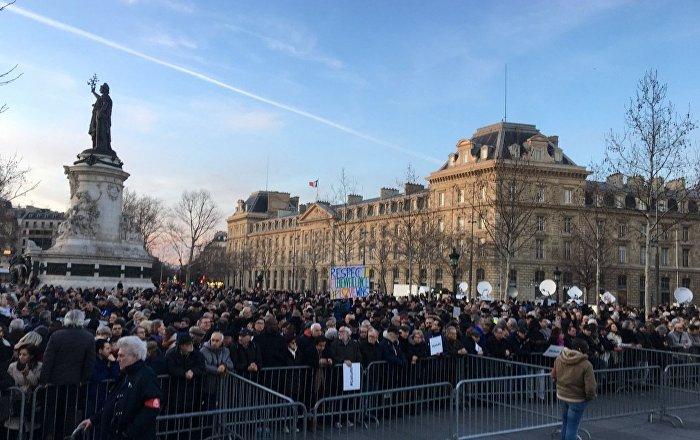 Marcia contro antisemitismo a Parigi