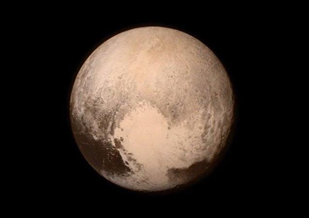 New Horizons ha sfiorato Plutone