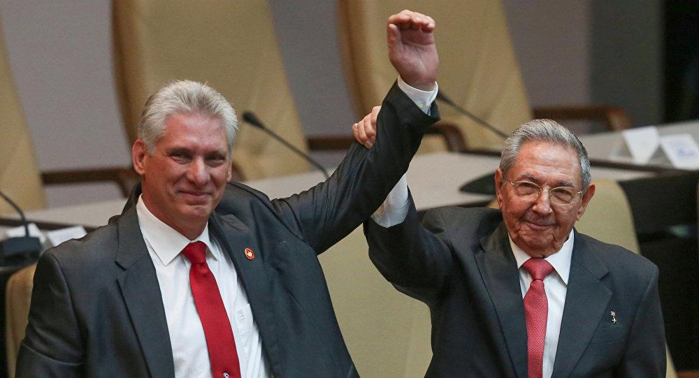 Miguel Diaz-Canel e Raul Castro