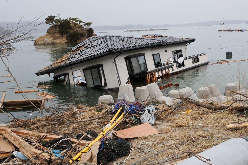9 giorni dopo lo tsunami a Onagawa, vicino alla centrale nucleare