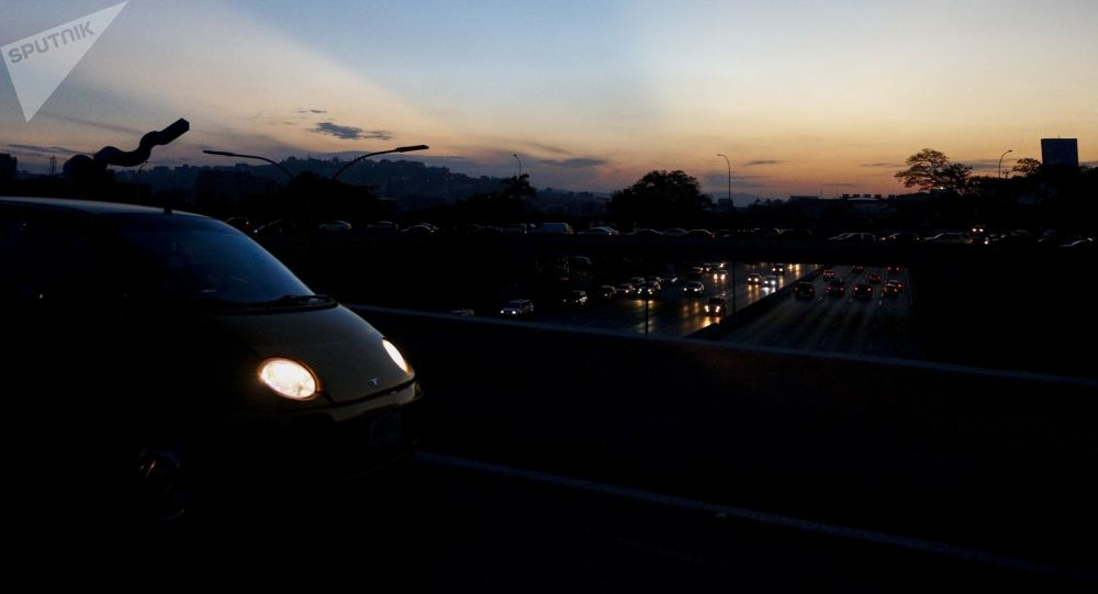 Autostrada di Caracas il terzo giorno di blackout