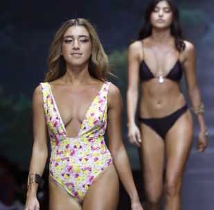 Come superare la prova costume alla Tel Aviv Fashion Week