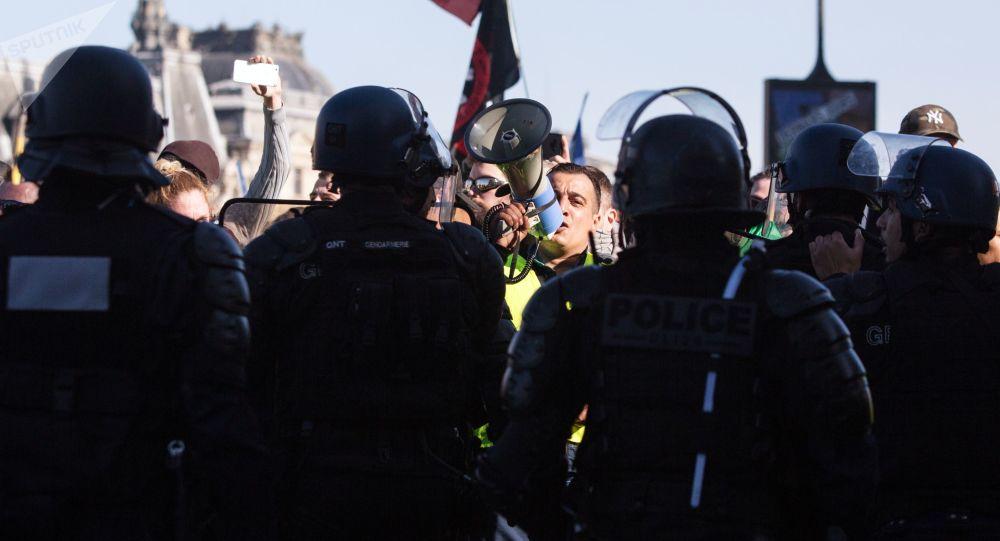 Scontri a Parigi, black bloc contro la polizia: 288 fermi
