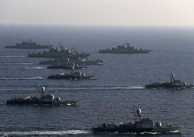 Flotta iraniana nel Golfo Persico (foto d'archivio)