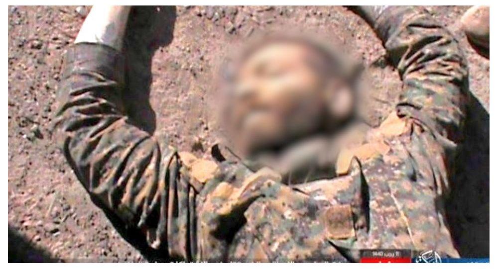 Corpo del uomo che sarebbe Lorenzo Orsett, volontario italiano ucciso in Siria