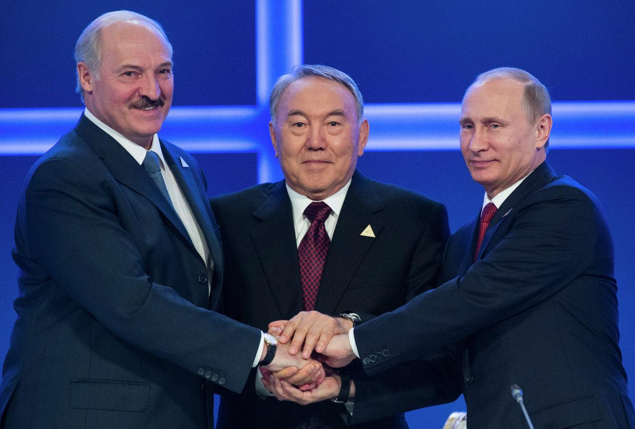 2014, Lukashenko, Nazarbayev e Putin ad Astana, dopo l'assemblea del Consiglio Economico Eurasiatico