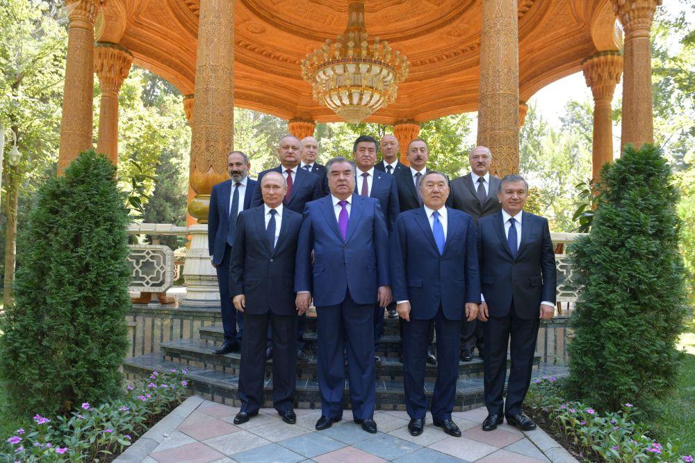 2018, uno degli ultimi impegni politici di Nursulutan Nazarbayev: il 28 settembre a Dushanbe, in Tagikistan, si tiene il vertice dei capi di stato della CSI