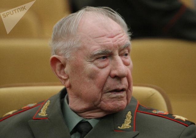Ex ministro della Difesa sovietico Dmitry Yazov