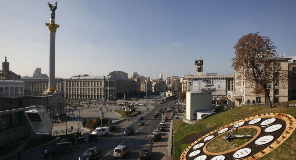 La moneta ucraina, la hryvnia, è passata dal cambio di uno a otto con il dollaro, che aveva nello scorso gennaio, a quello di uno a ventitré alla fine di Giugno
