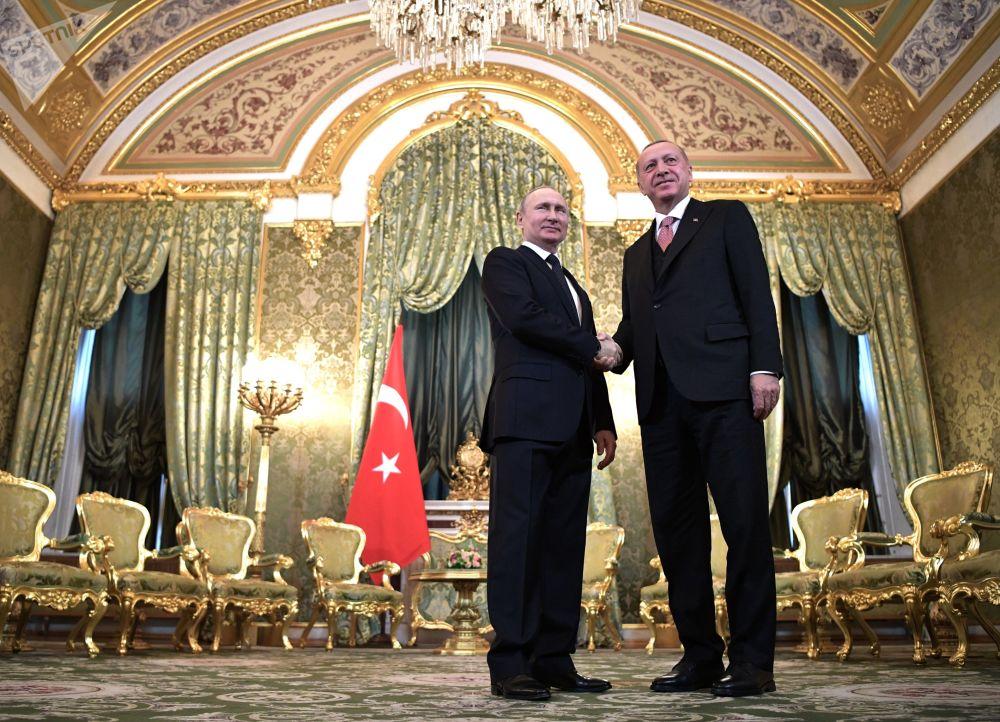 L'incontro tra Vladimir Putin e Recep Tayip Ergogan.