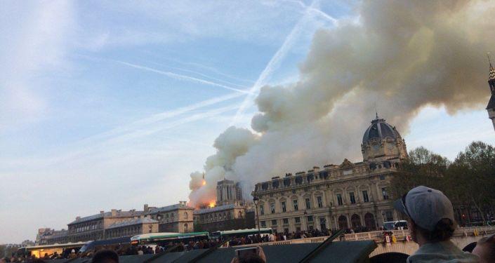 La zona della cattedrale è stata evacuata