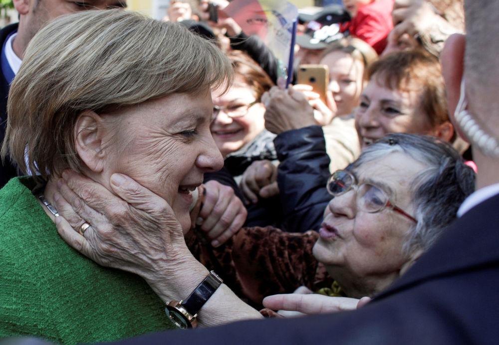 Cancelliera tedesca Angela Merkel ricevuta a Sibiu, Romania.